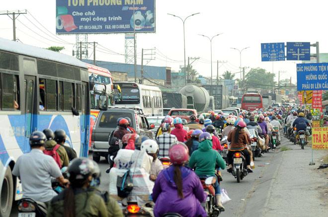 Người miền Tây rồng rắn rời Sài Gòn về quê đón Tết - 4