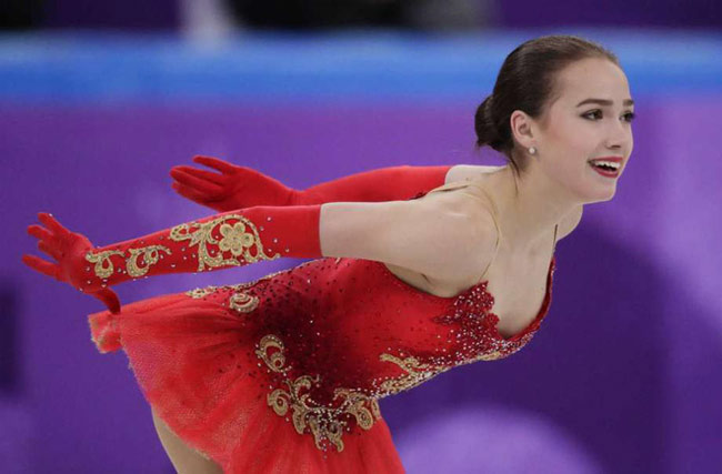 Alina Zagitova năm nay 15 tuổi.