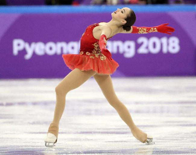 Alina Zagitova cũng vừa xuất sắc đoạt HCV Olympic Mùa đông năm nay.