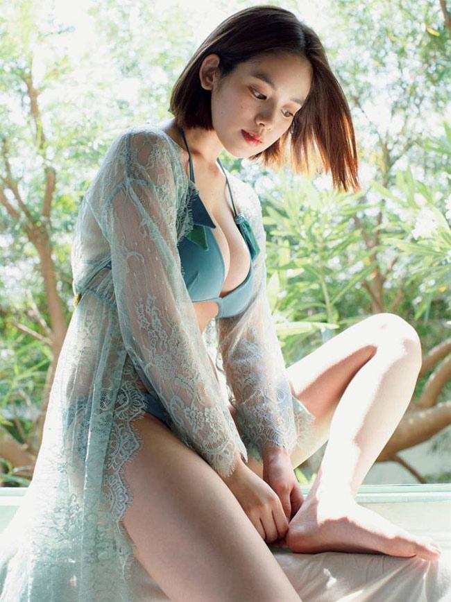 Người mẫu Kakei Miwako vốn nổi danh với vẻ đẹp phồn thực.