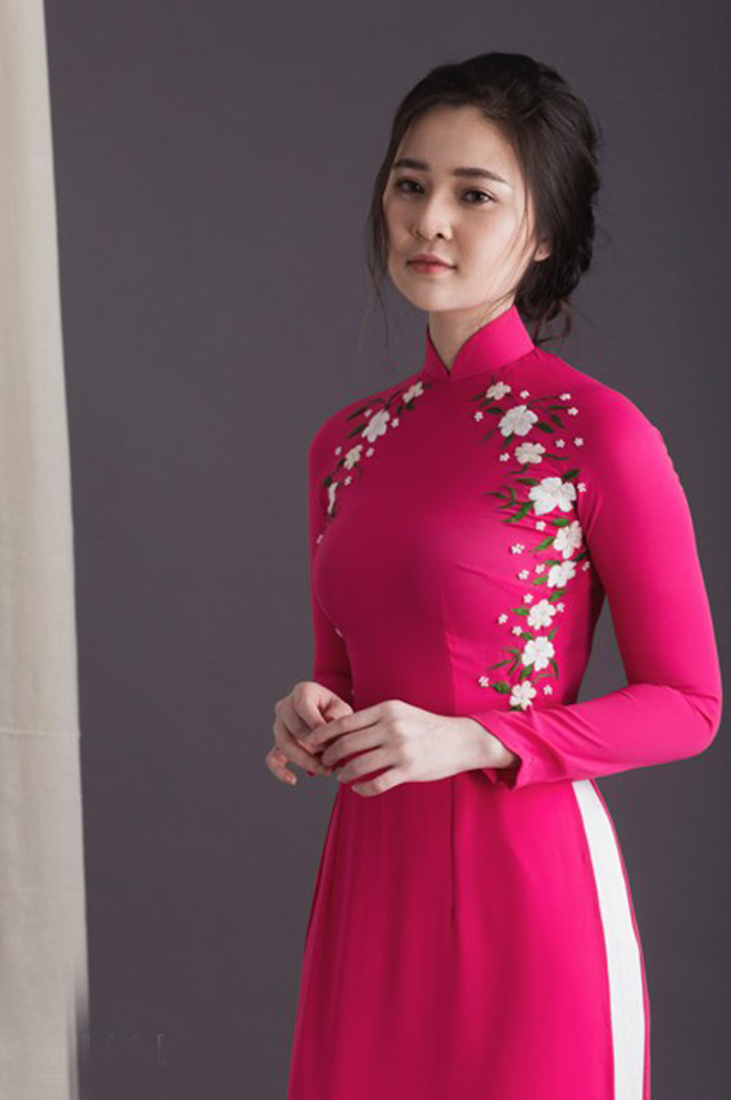 Không cần sexy, hot girl Đà Nẵng vẫn cuốn hút bất ngờ với áo dài xuân - 1