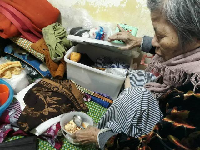 Ngày cận Tết của cụ bà gần 90 tuổi nuôi 2 con tâm thần giữa Thủ đô