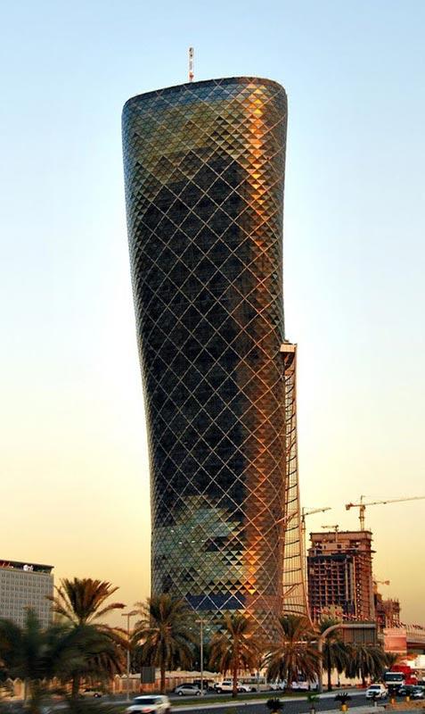 Cận cảnh cao ốc tuyệt mỹ nghiêng gấp 4 lần tháp Pisa - 5