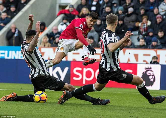MU đánh mất bản lĩnh: Kém ngược dòng, Mourinho thua xa Sir Alex - 1