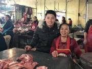 Tin tức trong ngày - Chợ quê xôn xao khi trung vệ Tiến Dũng phụ mẹ bán thịt heo
