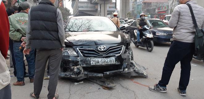 """""""Xe điên"""" gây tai nạn kinh hoàng trên đường Trần Phú chiều 28 Tết - 1"""