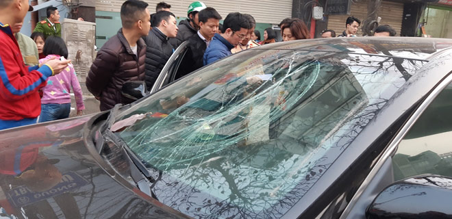 """""""Xe điên"""" gây tai nạn kinh hoàng trên đường Trần Phú chiều 28 Tết - 3"""