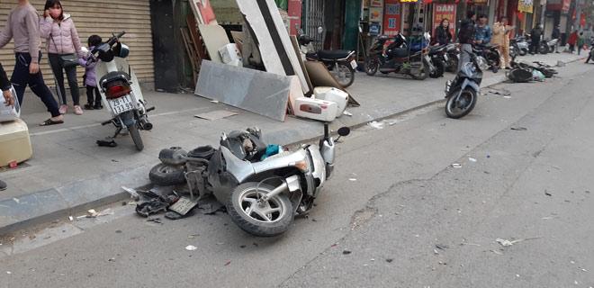 """""""Xe điên"""" gây tai nạn kinh hoàng trên đường Trần Phú chiều 28 Tết - 4"""