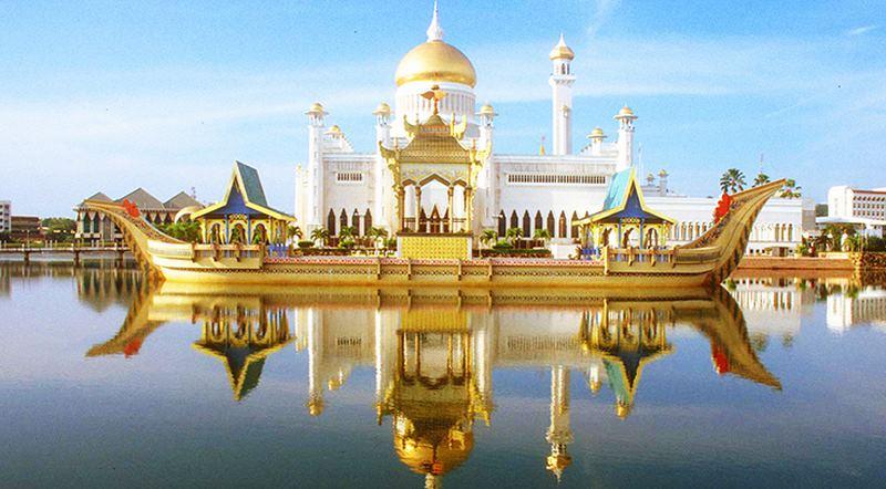 Khám phá cung điện dát vàng lớn nhất thế giới của nhà vua Brunei - 1
