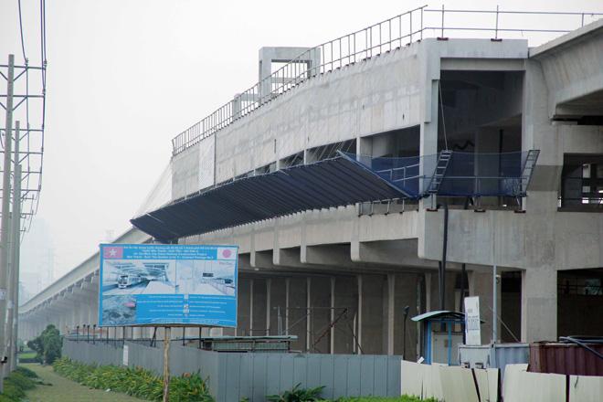 Đường cong uốn lượn của metro đầu tiên ở SG sau 6 năm thi công - 9