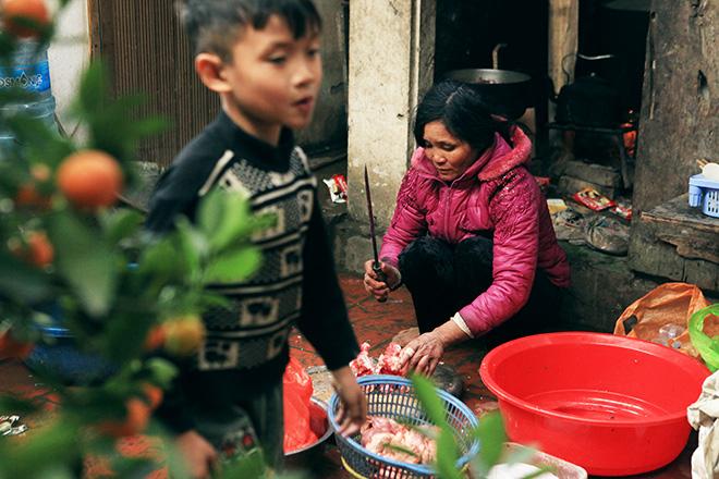 Ngày 29 Tết ở gia đình đông con nhất Hà Nội - 4