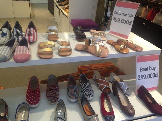 Hàng thời trang ở trung tâm thương mại Sài Gòn vắng hoe - 7