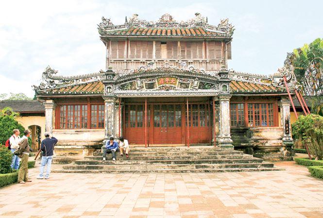 Qua đêm ở 'nhà' các vua triều Nguyễn - 1