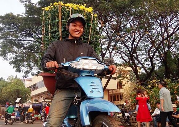 Sát Tết, nghề vận chuyển hoa kiểng lên ngôi - 3