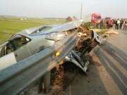 Thuê ô tô về quê đón Tết, 6 người thương vong