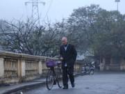 Sáng mùng 1 Tết, HN không còn cảnh chen lấn, người dân thong dong dạo phố