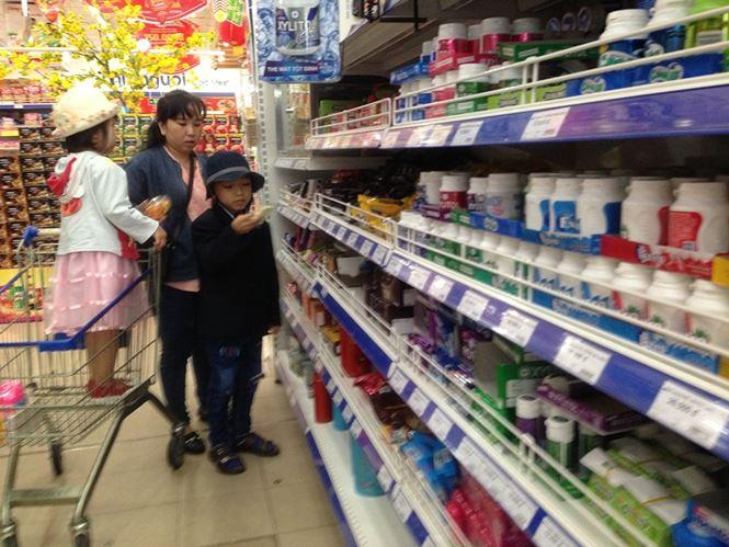 Giật mình rau xanh nửa ở chợ thiêng liêng Sài Gòn - 11