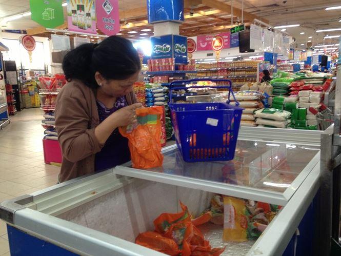 Giật mình rau xanh nửa ở chợ thiêng liêng Sài Gòn - 14