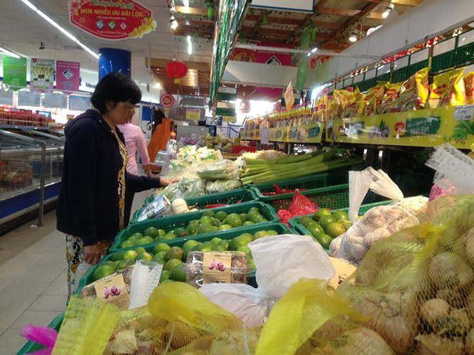 Giật mình rau xanh nửa ở chợ thiêng liêng Sài Gòn - 15