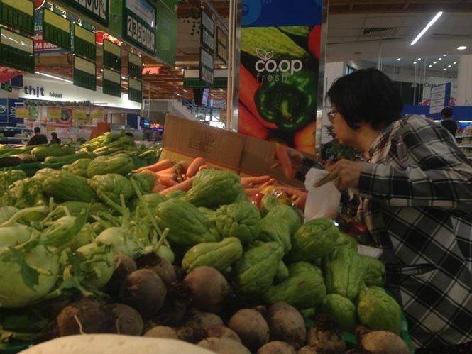 Giật mình rau xanh nửa ở chợ thiêng liêng Sài Gòn - 16