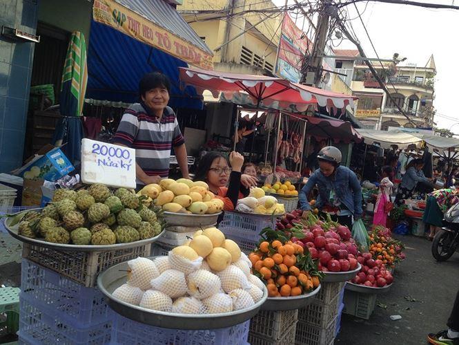 Giật mình rau xanh nửa ở chợ thiêng liêng Sài Gòn - 4