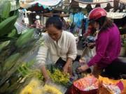 Giật mình rau xanh bán ở chợ lẻ Sài Gòn