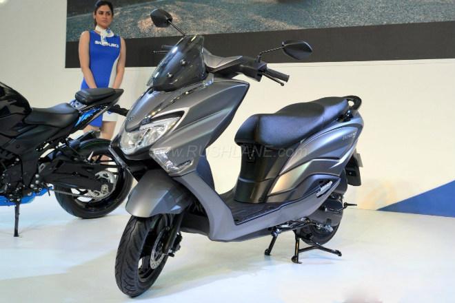 2018 Suzuki Burgman Street kình nhau với Yamaha NMAX - 1