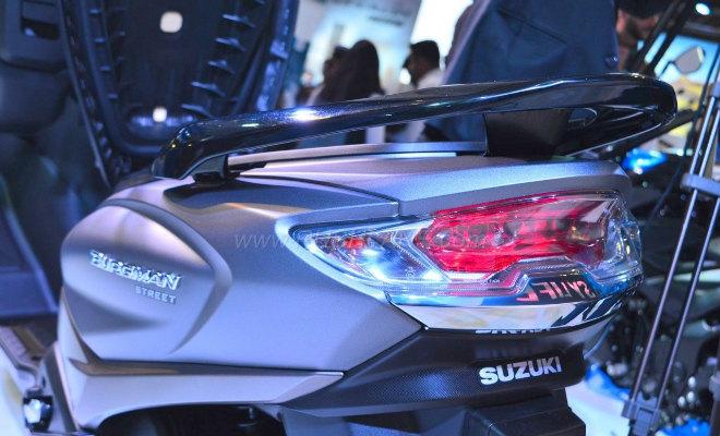 2018 Suzuki Burgman Street kình nhau với Yamaha NMAX - 7