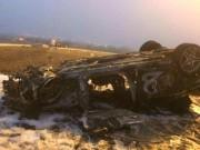 Xe bạc tỷ mất lái, bốc cháy dữ dội