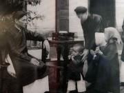 Bộ ảnh độc đáo từ thế kỷ trước về Tết xưa ở Hà Nội
