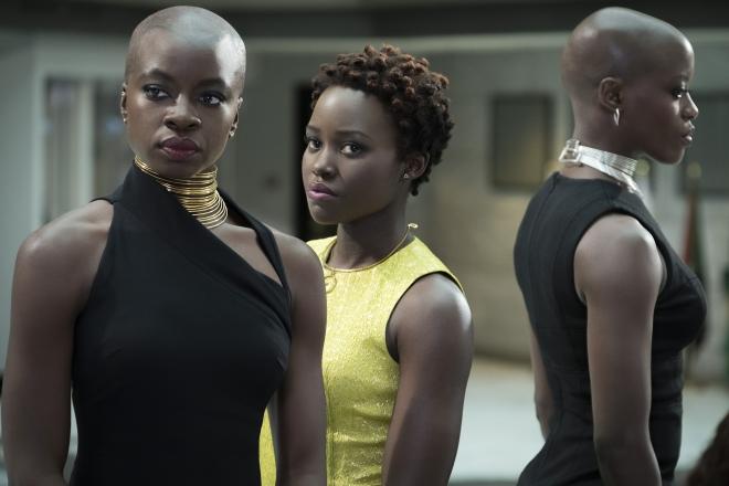 """Bom tấn """"Black Panther"""": Ghi điểm nhờ dàn diễn viên và vai phản diện quá chất - 1"""