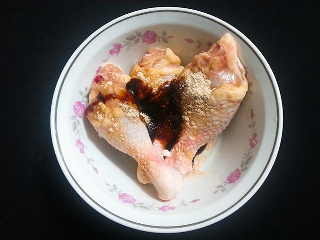 Đổi món ngày Tết với đùi gà chiên xù giòn tan, các bé tranh nhau ăn - 3