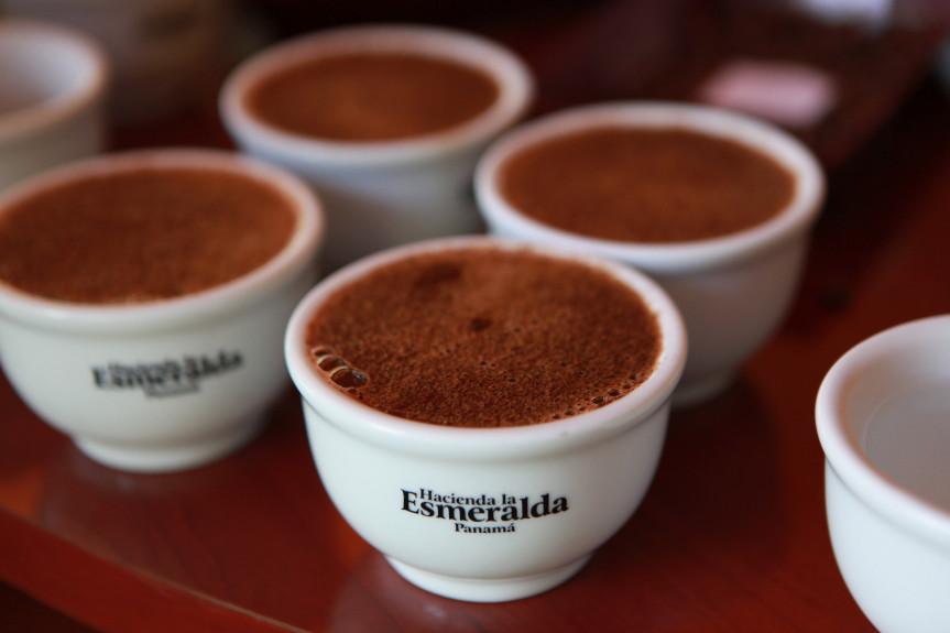 Loại cà phê hãn hữu và mắc nhất thế giới, mỗi một tách có ví ít nhất 1,2 triệu cùng - 3