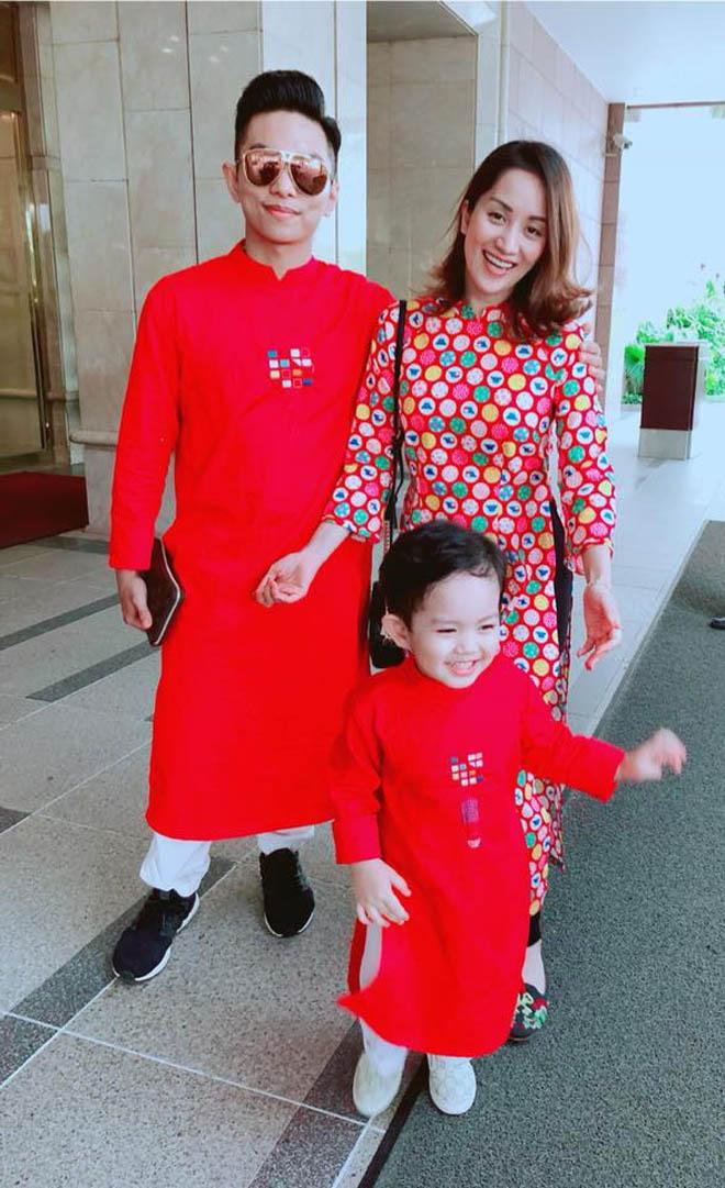 Khánh Thi khệ nệ bụng bầu 5 tháng đi chơi Tết cùng chồng con - 6