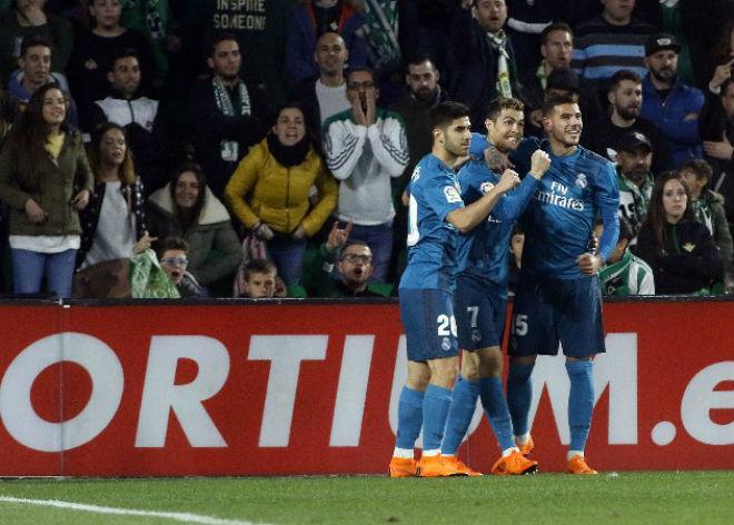 Ronaldo bật tung cảm xúc, vua Real giữ lửa đấu PSG – Neymar - 2