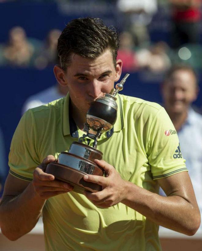 Tennis 24/7: Federer, Nadal được mỹ nhân đồng nghiệp gạ chụp ảnh nóng - 6
