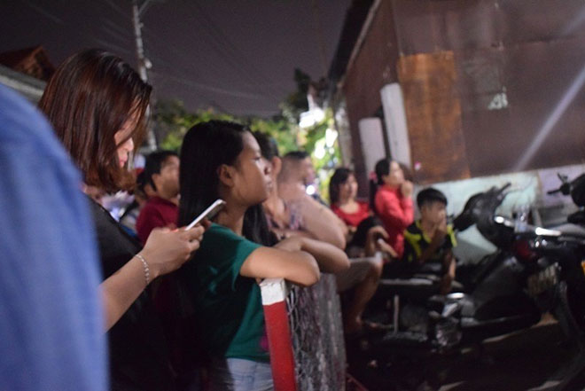 Vụ giết 5 người ở Bình Tân: Đưa tro cốt gia đình về quê - 2