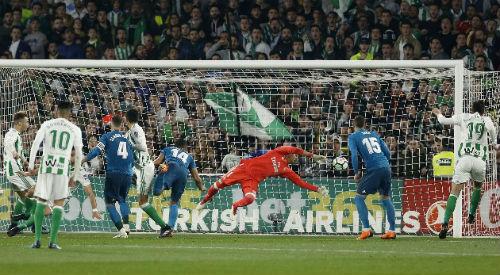 Chi tiết Real Betis - Real Madrid: Benzema thay Ronaldo khóa sổ (KT) - 7