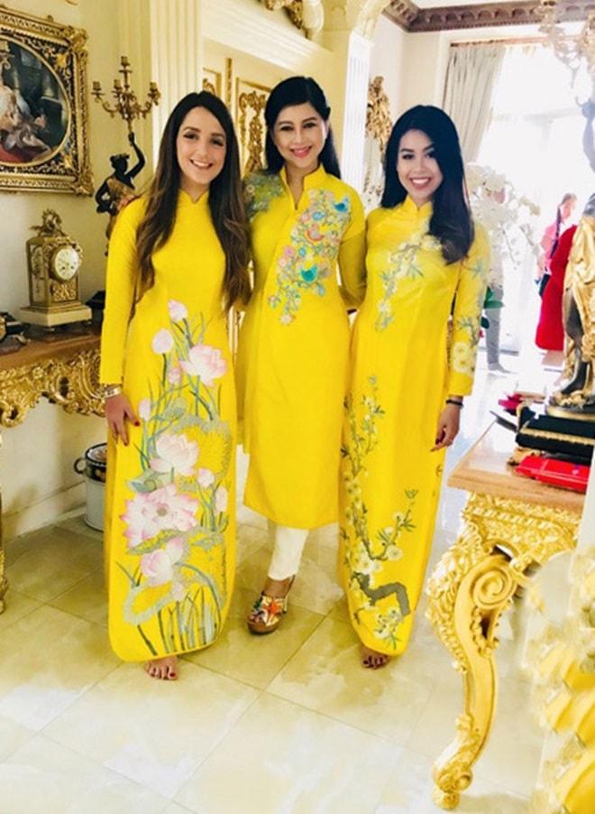 Gia đình Tăng Thanh Hà diện áo dài đón Tết - 4