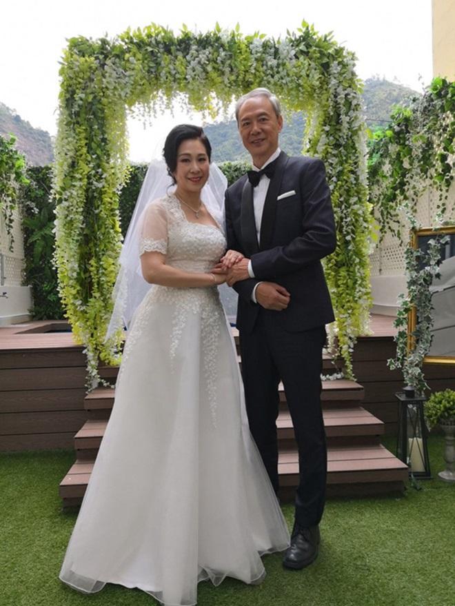 """Tài tử """"Thiên Long Bát Bộ"""" tái hôn ở tuổi 63 - 2"""