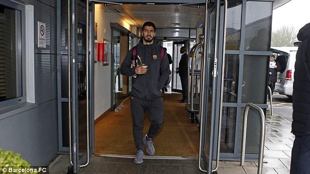 Dàn siêu sao Barca đổ bộ xuống London, sẵn sàng kéo sập Stamford Bridge - 3