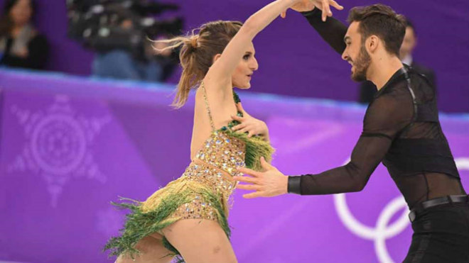 Tin nóng Olympic mùa đông 20/2: Thêm sự cố tuột áo khiến VĐV bối rối - 1