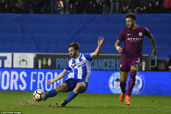 Wigan - Man City: Bước ngoặt thẻ đỏ, cú sốc lịch sử - 1