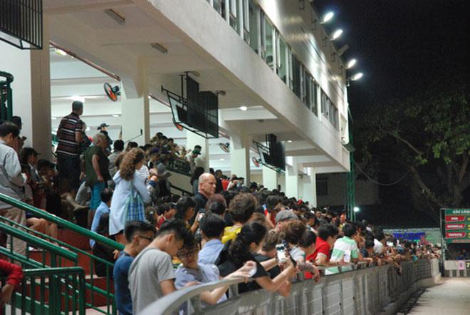 Đầu năm Mậu Tuất đi xem đua chó ở trường đua lớn nhất Đông Nam Á - 2