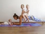 Mẹ 3 con dùng các con thay tạ tập gym và kết quả bất ngờ
