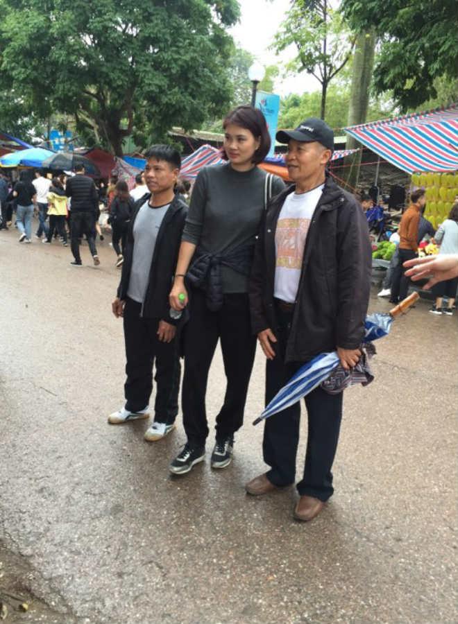 """Kim Huệ dẫn dàn """"chân dài"""" bóng chuyền về đấu giải làng: Vui như hội - 10"""