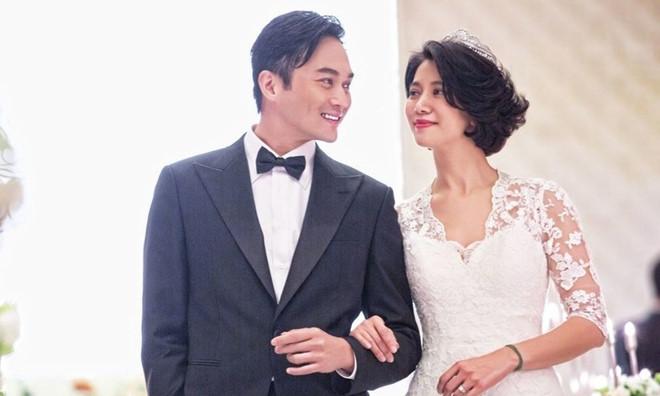 Sự thật Hoa hậu Hong Kong bị cạch mặt vì đắc tội với Châu Tinh Trì, Thành Long - 4