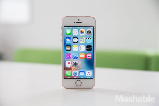 iPhone SE 2 vẫn mi nhon với màn hình cỡ 4,2 inch - 1