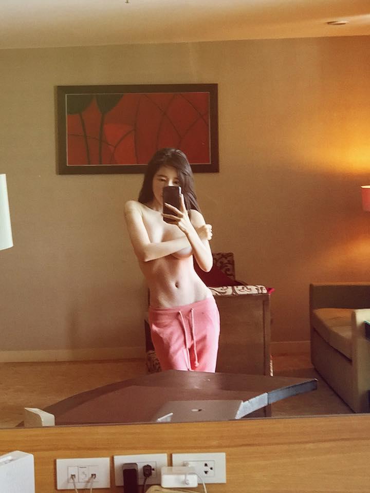 Mới đầu năm, Elly Trần hẵng nửa khỏa thân táo tợn - 1