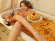 """Lộ diện những hình ảnh  """" oái oăm """"  phía trong bồn tắm"""